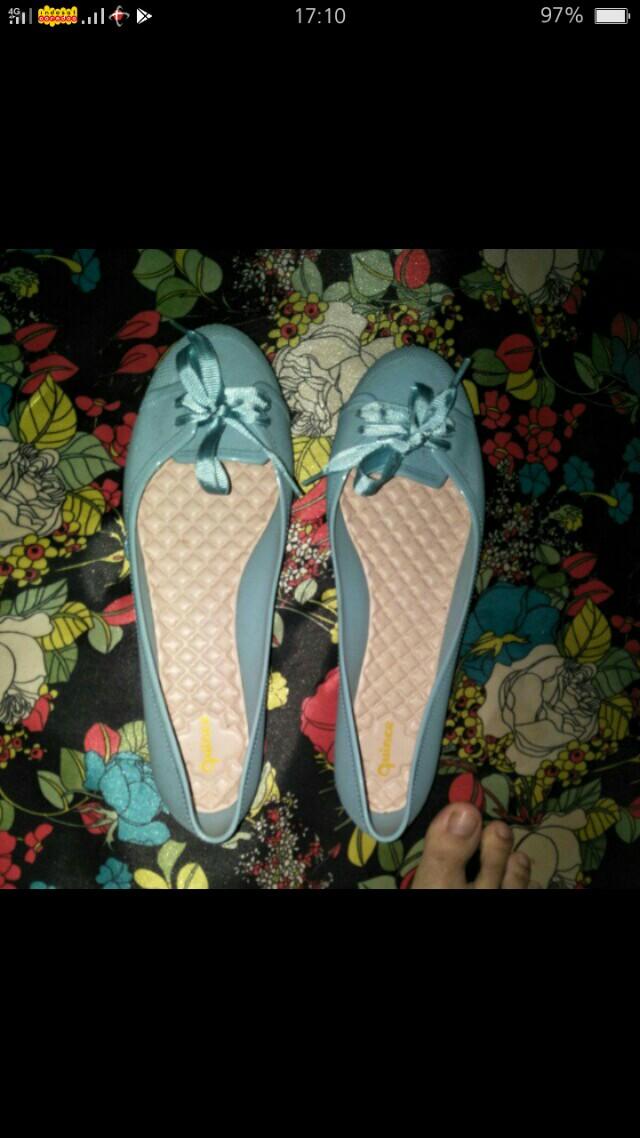 Sepatu jelly quinche