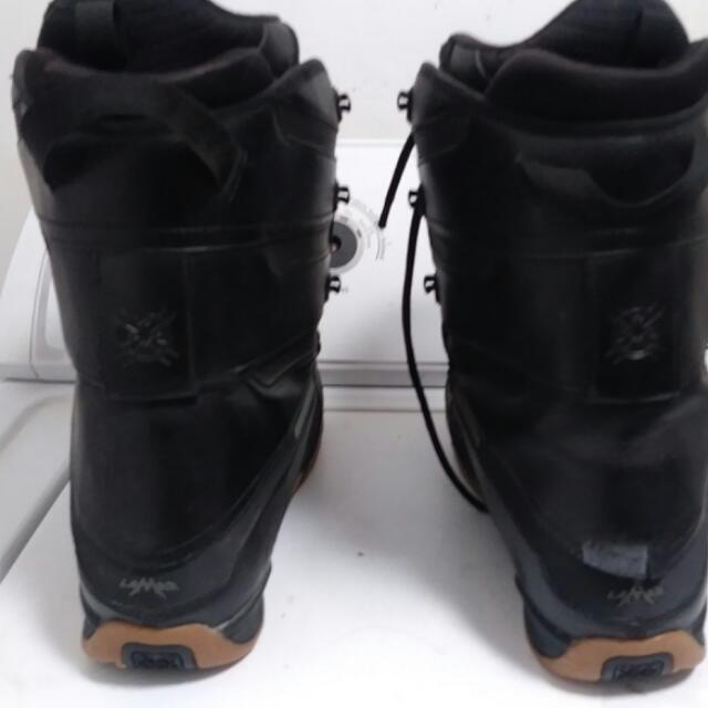 Snow Boots.  ( LAMAR. ) SIZE 9 1/2 MEN'S