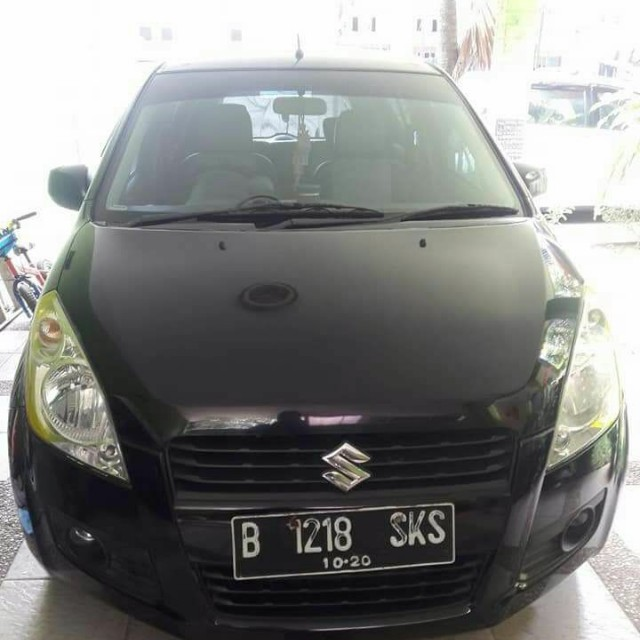 Suzuki Splash thn 2010 warna hitam