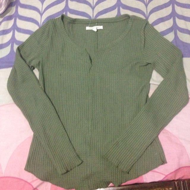 Sweater Vneck Aero