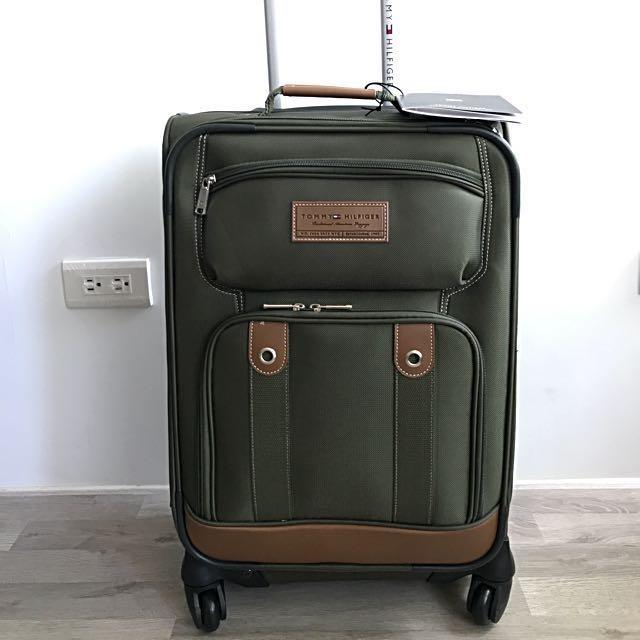 Tommy軍綠色登機行李箱~萬向四輪