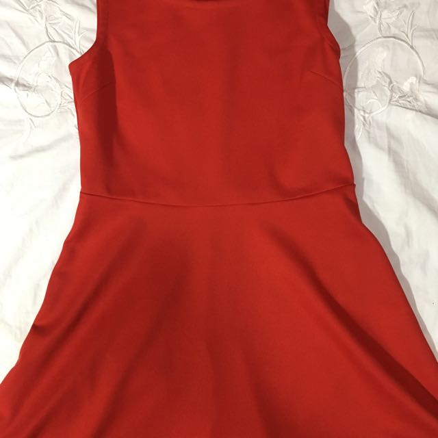 UNIQLO Red Cocktail Dress (Sleveless)