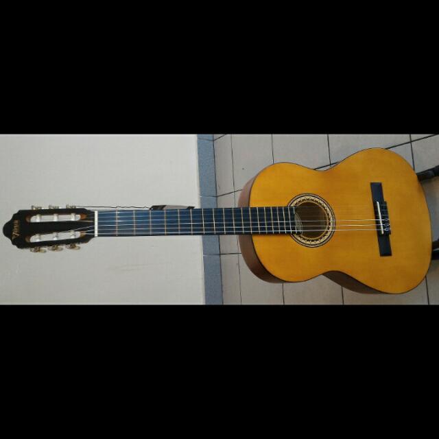 Valencia Classical Guitar VC204H Full Size 4/4