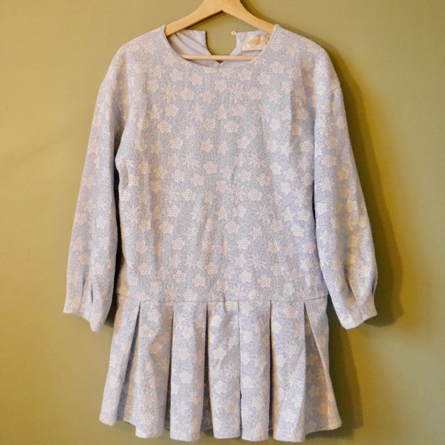 Vintage embroidered white and blue long sleeve dress