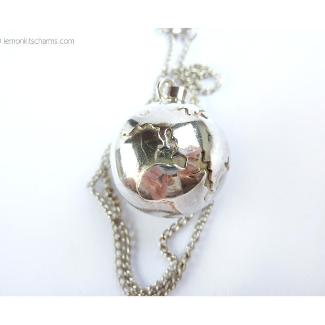 Vintage Globe Earth Pendant Silver Necklace, nk1072-c