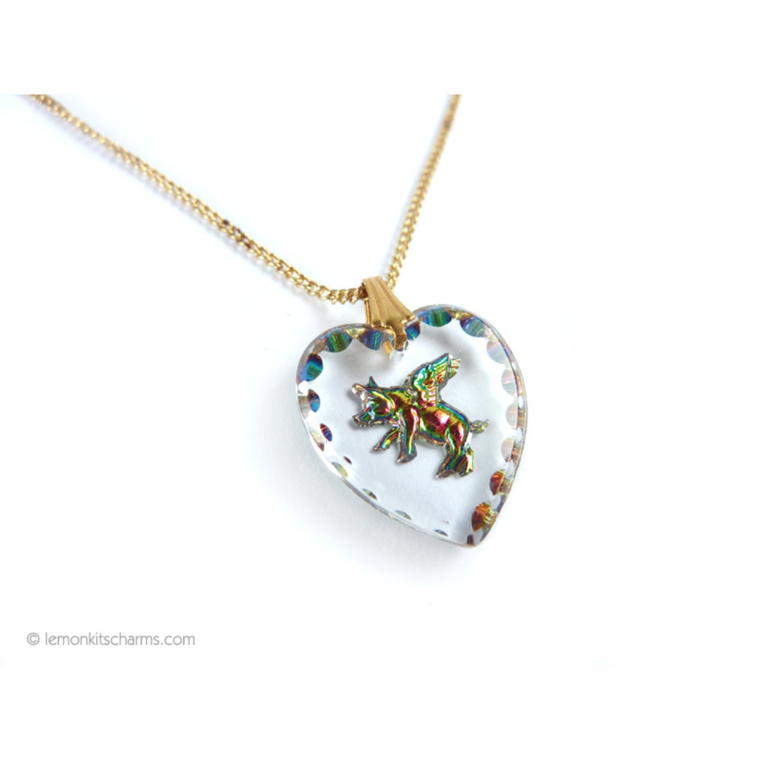 Vintage Pigs Can Fly Glass Heart Necklace, nk1067-c