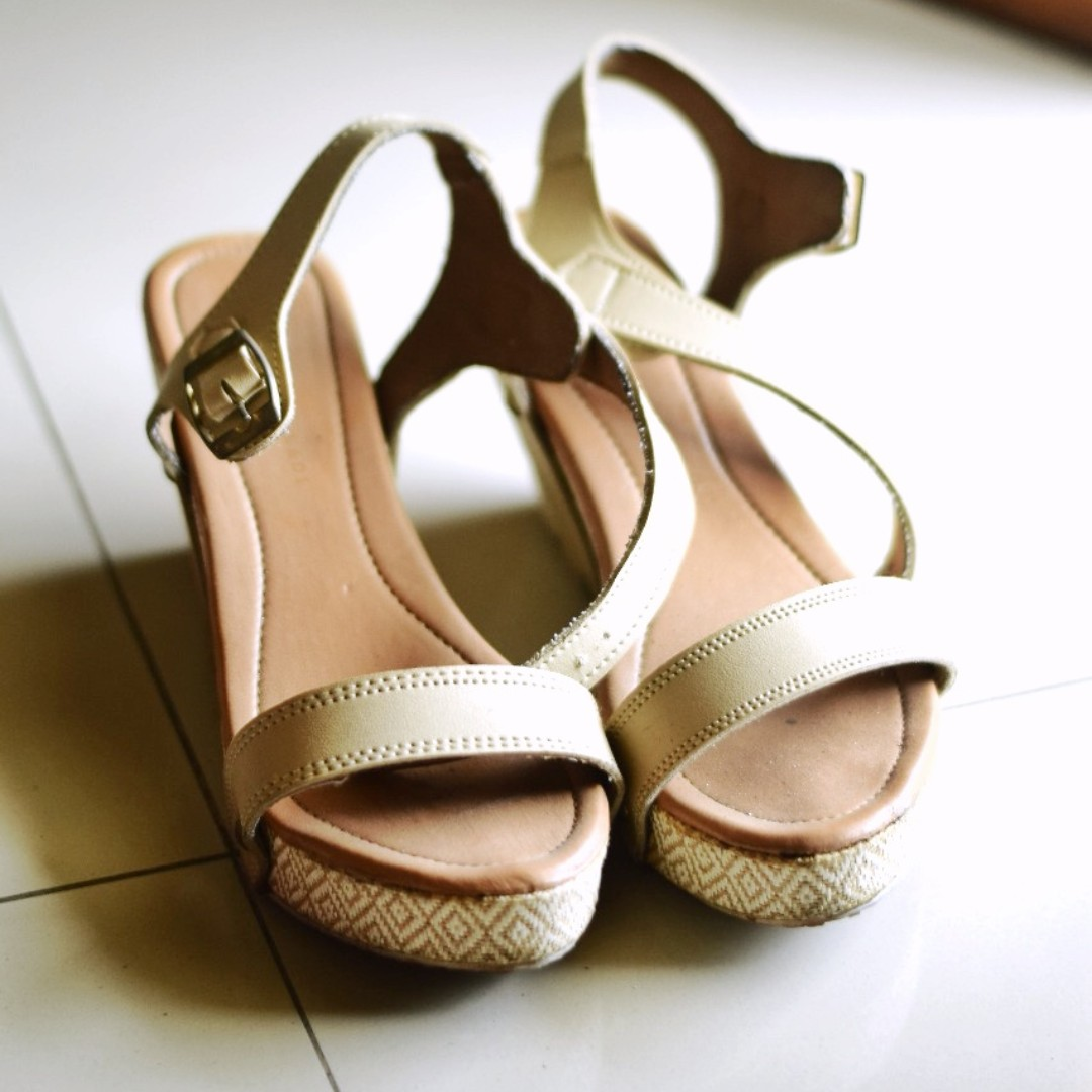 WEDGES strap strapy nude preloved/second