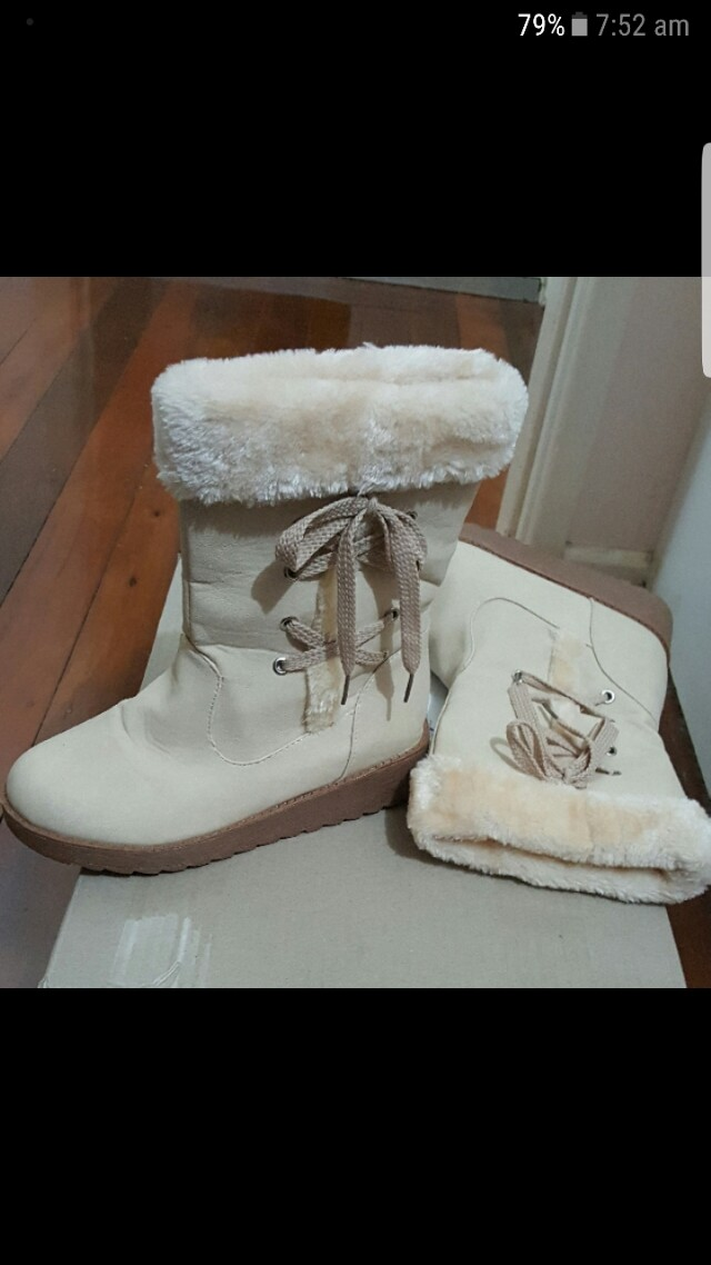 Winter boots size 6