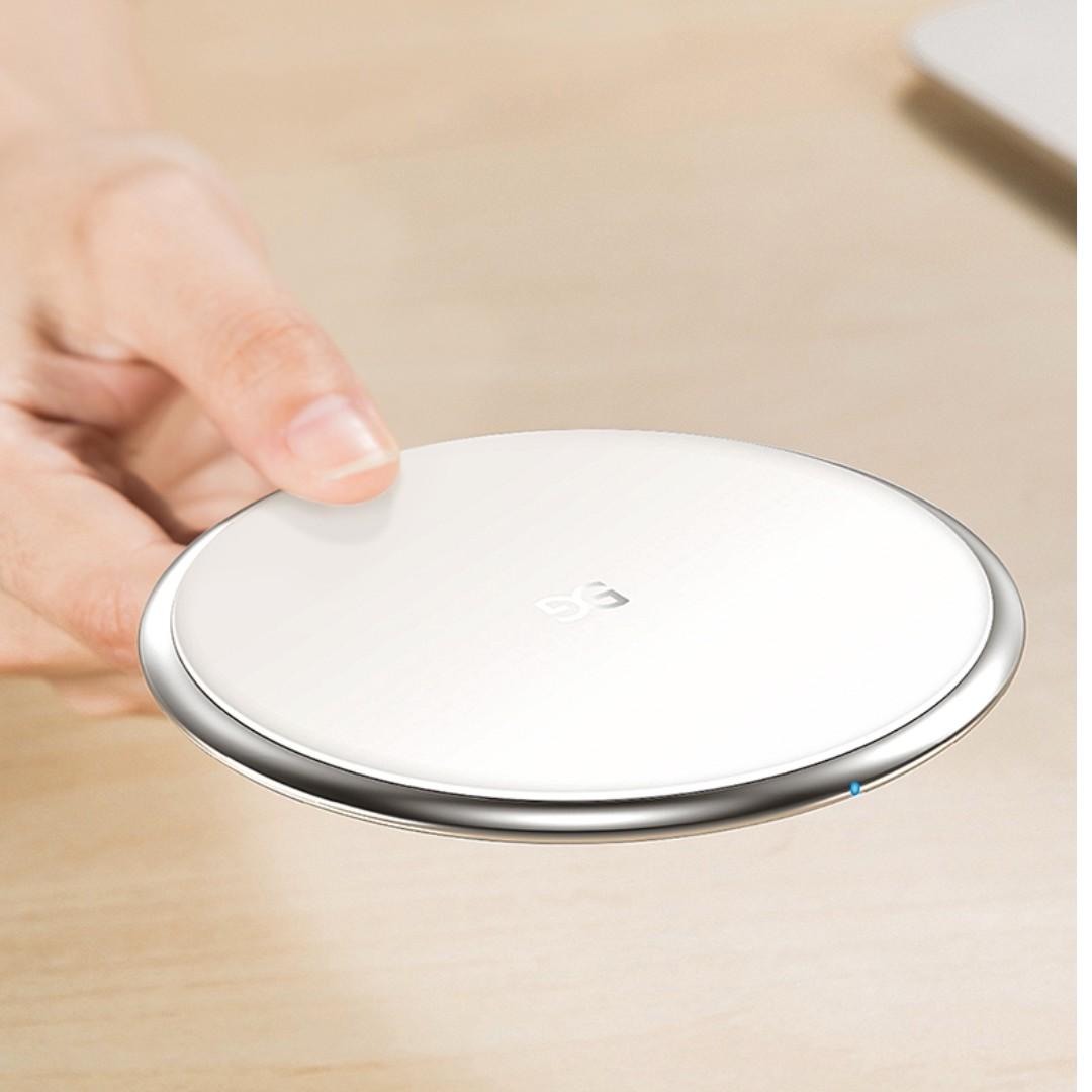 Wireless Charging Pad 無線充電板 (鋁合金強化玻璃面板) 適用 iPhoneX, iPhone8
