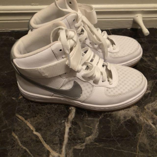 Woman Nike AF1 size 5