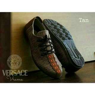 Sepatu casual sneakers
