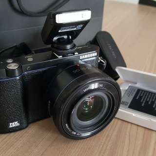 Samsung NX3300 Mirrorless Digital Camera