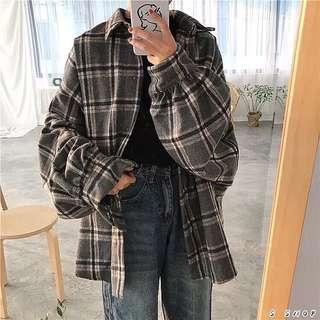 🔹 慵懶感復古格紋泡泡袖襯衫外套