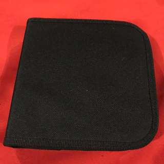 CD case with zipper
