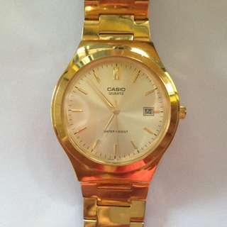 CASIO watch goldfaced