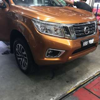 Original 18 inch sports rim navara np300 come from showroom tyre 100%