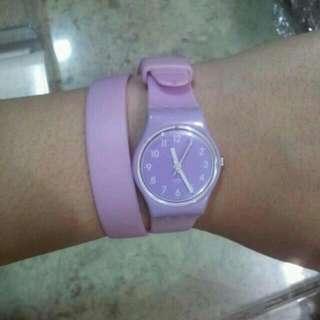 Jam tangan swatch tali panjang ungu