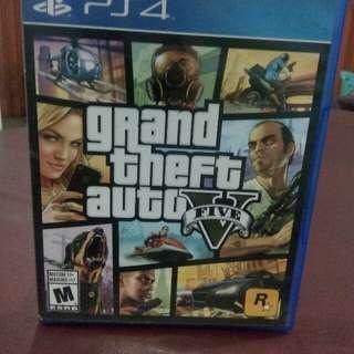 Game PS4 : Grand theft auto V