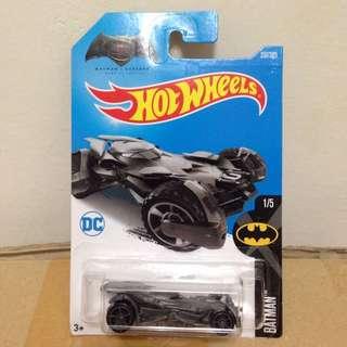 Hotwheels Batman vs Superman Batmobile 1:64 scale