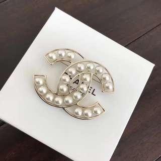 Chanel 香奈兒 胸針 雙C珍珠