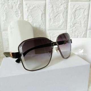 Kacamata swarovski wanita