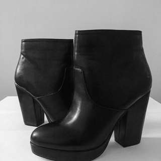 ASOS Black Leather Heeled Ankle Boots - Size 7