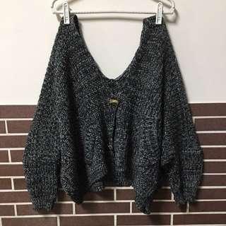 特殊寬鬆黑白灰粗針織斗篷/蝙蝠上衣