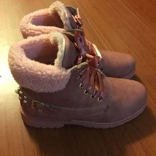 粉色緞帶短靴