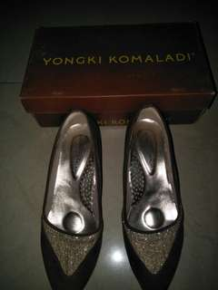 sepatu gold yongki