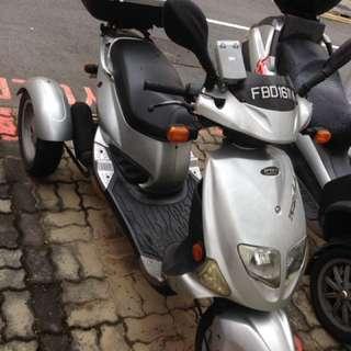 Pgo TR3 3 wheeler