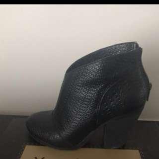 Modern Vintage booties black leather (7)