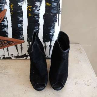 Womans black wedges