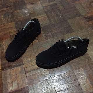 Vans triple black