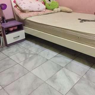 Tempat Tidur anak plus nakas preloved, tanpa kasur