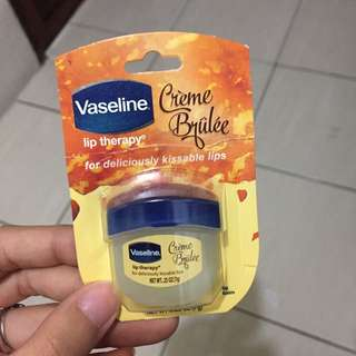 Lip theraphy vaseline