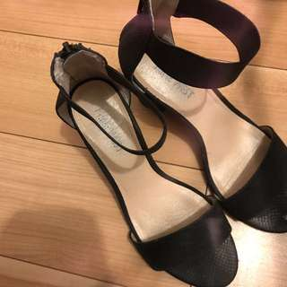 Size 6 Black Sandals