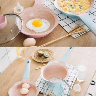 韓國16cm花花煲仔連小煎pan一套