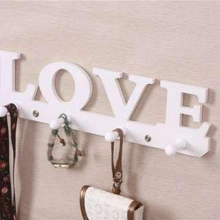 Gantungan dinding LOVE