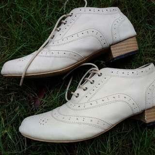 Oxford Shoes Cream Khaki