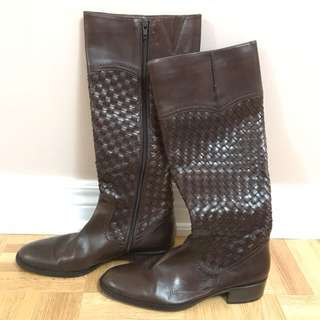 Unknown brand. Brand new Boots size 37