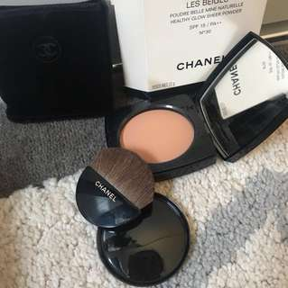 Chanel LES BEIGES Healthy Glow Sheer Powder Spf 15 / no.30