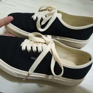 Black Bone Vans