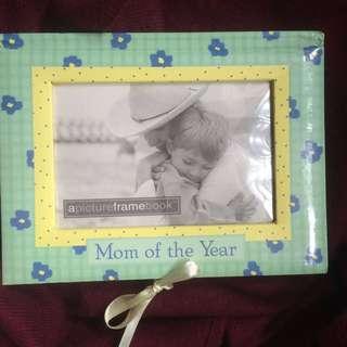 Mom of the Year (apicthreframebook)