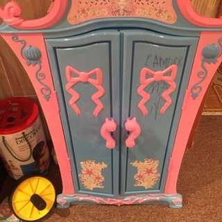 Princess doll wardrobe