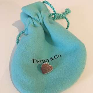 Tiffany & co single heart earring