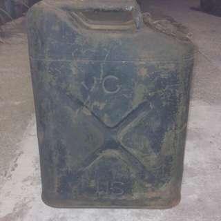 早期美製軍用油箱