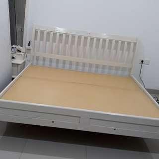 Dijual White Bed kayu mahoni asli uk 180 x 200