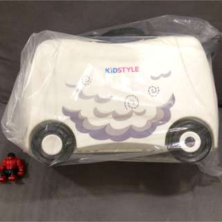 Kids' Ride & Pull Suitcase (Brand New) Price Reduced!