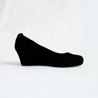Black Velvet Wedges