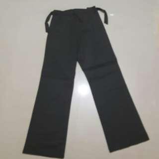 鐵灰色寬長褲
